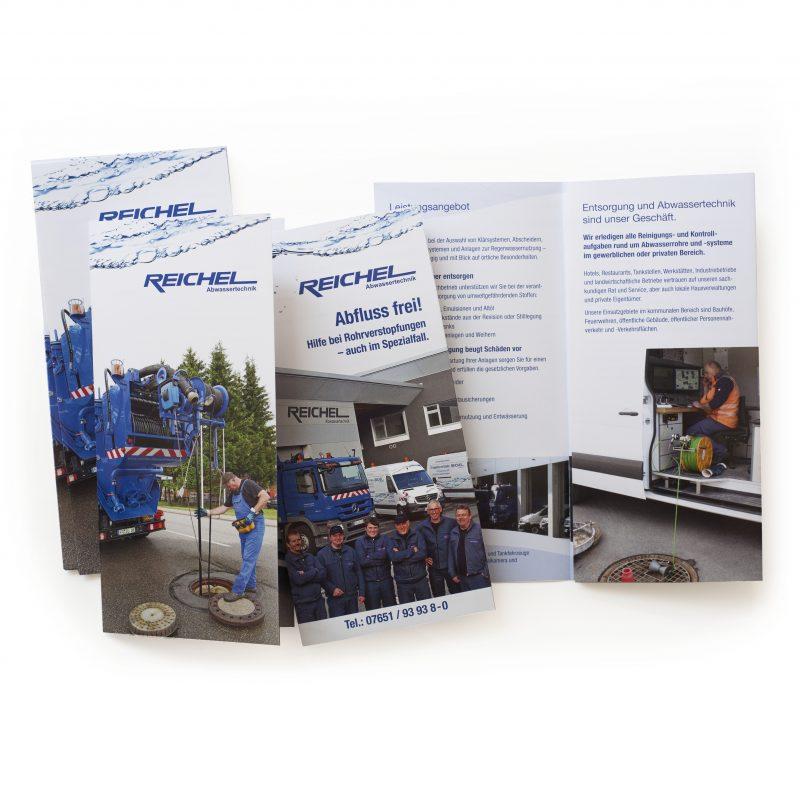 Infomaterial (Faltblätter) gestaltet zum Unternehmertreff bei Reichel Abwassertechnik